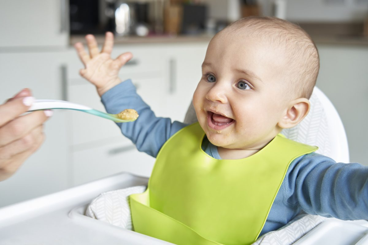 Alimentação do bebê até 1 ano: tudo o que você precisa saber