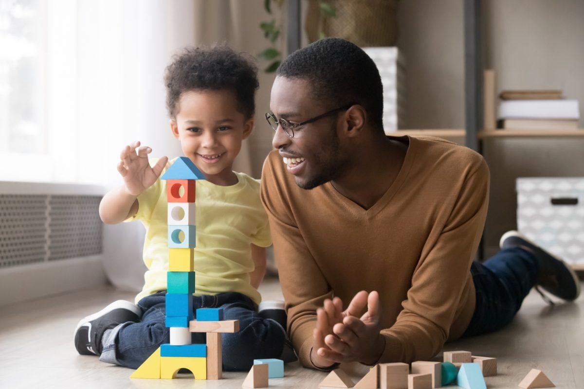 Crianças em casa: 9 brincadeiras para manter os pequenos entretidos
