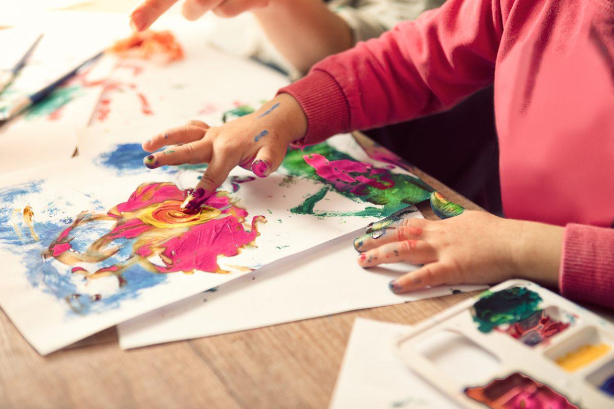 Atividades para crianças de 2 anos: aprenda 5 brincadeiras educativas