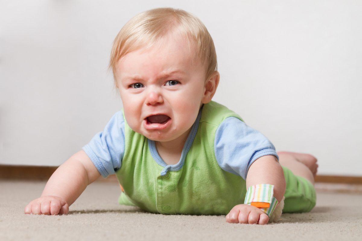 O que deixa um bebê irritado? Veja os 7 principais motivos